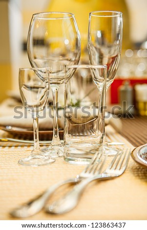 emty wineglasses on reastaurant table