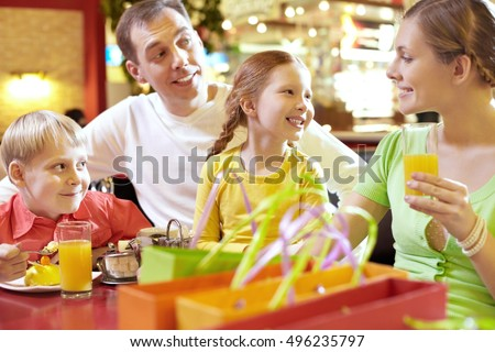 Family in cafe