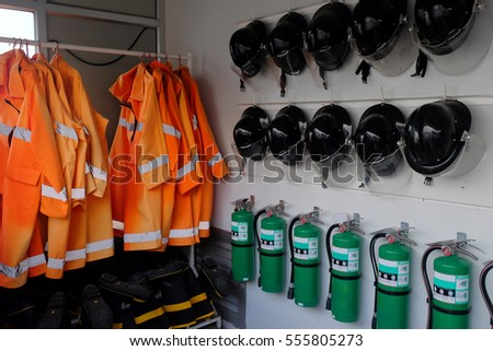 fire equipment protection, fire suit, fire extinguish