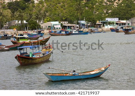 Fishing boats in the Bay of Vinh Hy, South China Sea, Vietnam, Asia
