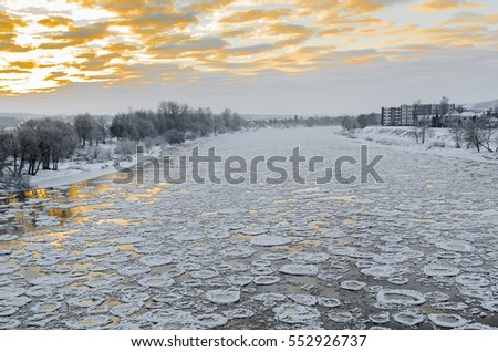 Floating of the ice on the river