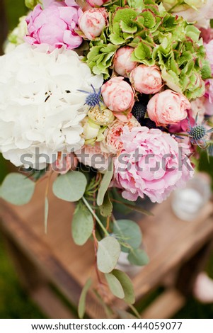 flower composition with hydrangea and roses