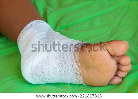 foot gauze wound.