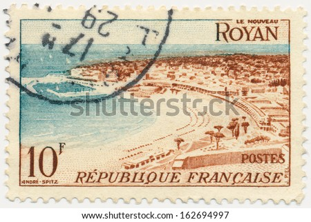 FRANCE - CIRCA 1954: a stamp printed in the France shows Beach at Royan, circa 1954