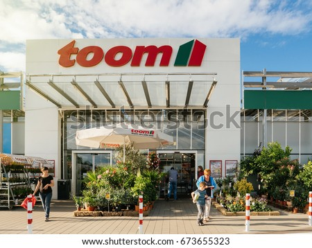 London march 2018 exterior signage toys stock photo 1040586085 frankfurt germany jun 30 2017 people entering walking to the entrance of solutioingenieria Images