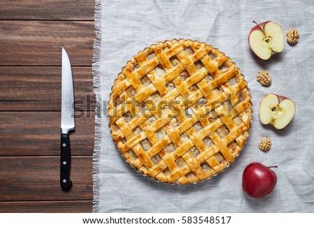 Rustic Style Apple Pie