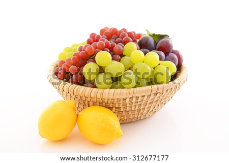 Fresh grapes with lemons