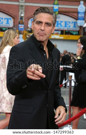 "George Clooney at the ""Ocean's Thirteen"" Los Angeles Premiere Gruman's Chinese Theater Los Angeles, CA June 5, 2007"