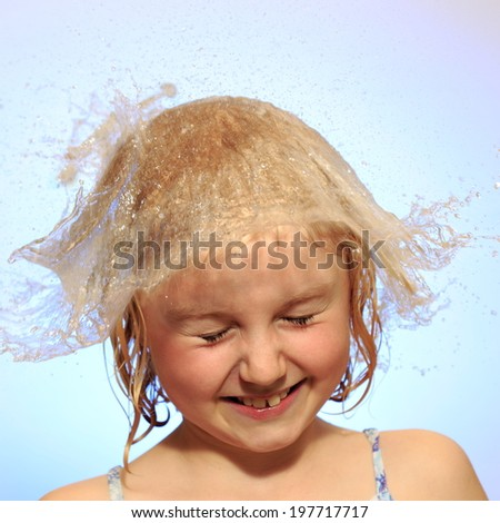 girl  have  fun with water hat