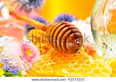 golden honey and flowers