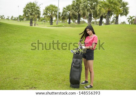 Golf player choose driver wedge