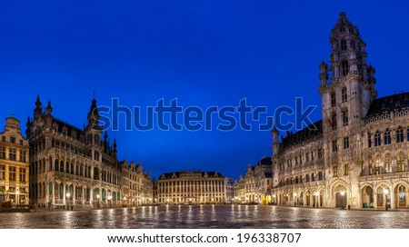 Gorte Market or the Grand Place is the main square in Brussels which is surrounded by  Flemish Renaissance decorated buildings