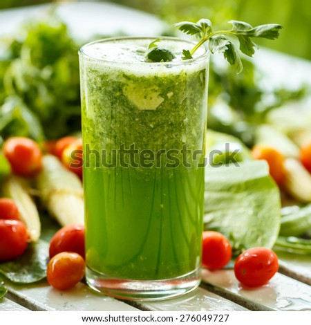 Green smoothies with vegetables