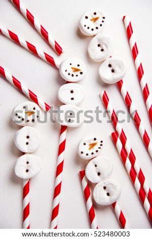 hand made Marshmallows snowman diy for the Christmas party. close up sweet and candy with clear background