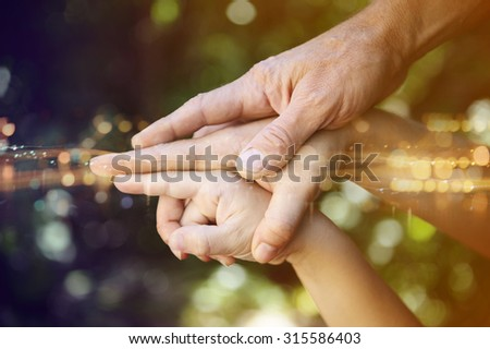 hands of the family, dynamic composition.