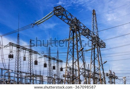 High-voltage line with electric pylons . eletric