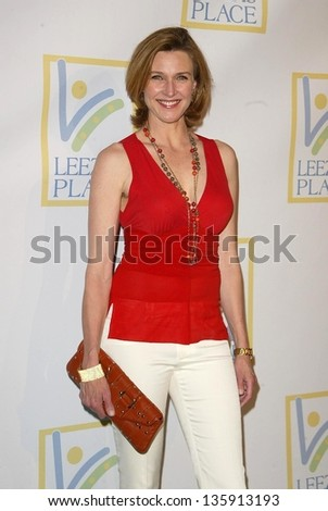 HOLLYWOOD - APRIL 21: Brenda Strong at the opening of Leeza's Place Care Center at Leeza's Place Care Center on April 21, 2006 in Hollywood, CA.