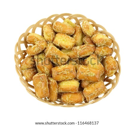 Honey mustard flavored pretzel pieces in a basket.