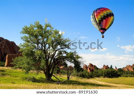 Hot air balloon flying over roxbourgh state park