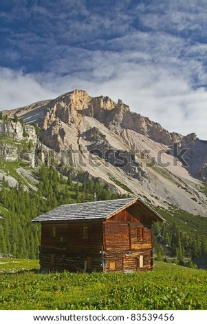 idyllic barn in the Fanes in the Dolomites