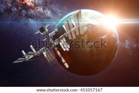 near spacecraft magellan venus mission - photo #24