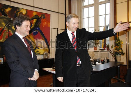 JANUARY 16, 2008 - BERLIN: Sir Michael Arthur, Klaus Wowereit - first official visit of the new British ambassador at the city Hall of Berlin.