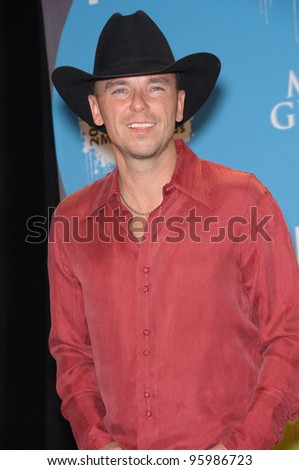 KENNY CHESNEY at the 2006 Billboard Music Awards at the MGM Grand, Las Vegas. December 4, 2006  Las Vegas, NV Picture: Paul Smith / Featureflash