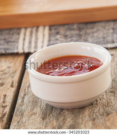 ketchup or chili sauce