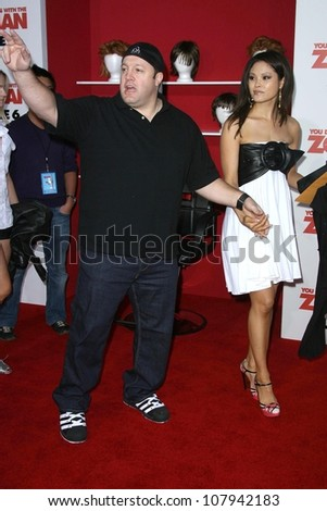 "Kevin James and Steffiana De La Cruz  at the ""You Don't Mess With The Zohan"" Los Angeles Premiere. Grauman's Chinese Theatre, Hollywood, CA. 05-28-08"