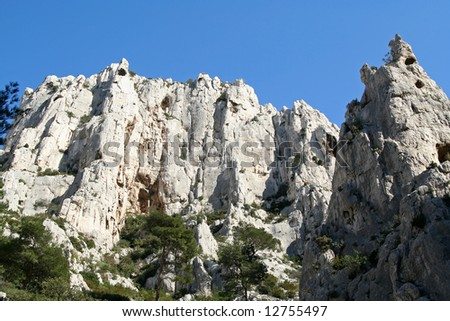 limestone cliff in the calanques de cassis