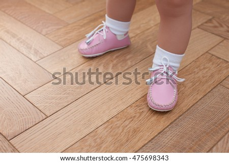 LITTLE BABY AND SHOES, SHOES FIRST. Little baby wear shoes