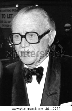 LONDON-APRIL 20: Sir John Mills, British actor, attends a celebrity event on April 20, 1989 in London.