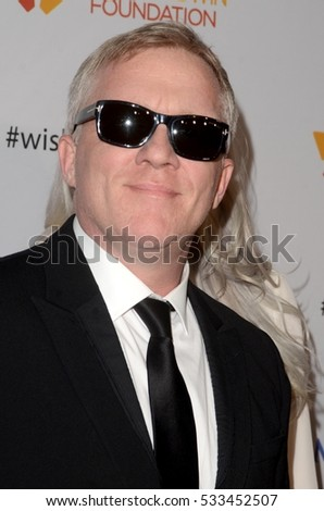 LOS ANGELES - DEC 7:  Anthony Michael Hall at the  at the  at Hollywood Palladium on December 7, 2016 in Los Angeles, CA
