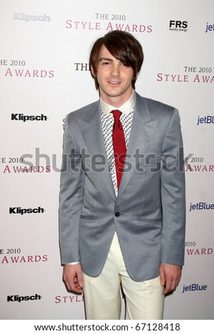 LOS ANGELES - DEC 12:  Drake Bell arrives at the 2010 Hollywood Style Awards at Billy Wilder Theater at the Hammer Museum on December 12, 2010 in Westwood, CA.