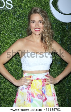LOS ANGELES - JUN 2:  Tori Anderson at the 4th Annual CBS Television Studios Summer Soiree at the Palihouse on June 2, 2016 in West Hollywood, CA