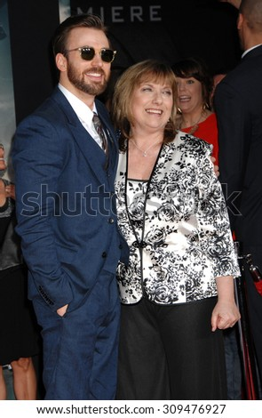 LOS ANGELES - MAR 13:  Chris Evans and mother Lisa Evans arrives at the CAPTAIN AMERICA LOS ANGELES PREMIERE  on March 13, 2014 in Los Angeles, CA