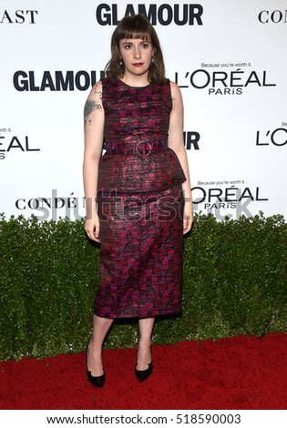 LOS ANGELES - NOV 14:  Lena Dunham arrives to the Glamour Celebrates Women of the Year Awards 2016 on November 14, 2016 in Hollywood, CA