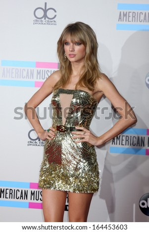 LOS ANGELES - NOV 24:  Taylor Swift at the 2013 American Music Awards Arrivals at Nokia Theater on November 24, 2013 in Los Angeles, CA