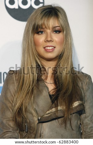 LOS ANGELES - OCT 12:  Jennette McCurdy  at the 2010 American Music Awards Nominations Press Conference  at The Mixing Room - JW Marriott on October 12, 2010 in Los Angeles, CA
