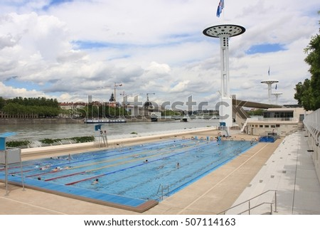 Los angeles ca february 13 2017 stock photo 580251220 for Pool show lyon france