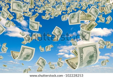 Many cash advantage of $ 100, falling from the sky.