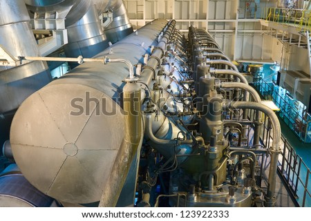 Marine engine of the large container ship