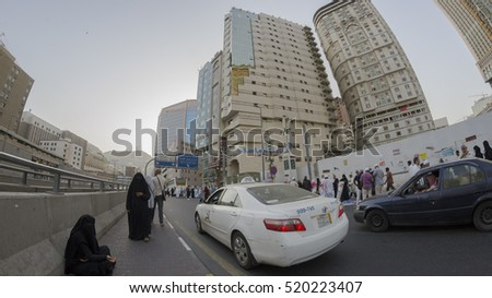 MECCA,S.ARABIA-CIRCA FEB 2012:General view of local transportation in Makkah.The Saudi government has hired external firm to promote its multi-billion-dollar public transportation project