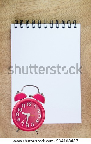 memo list to do reminder blank paper with red table clock
