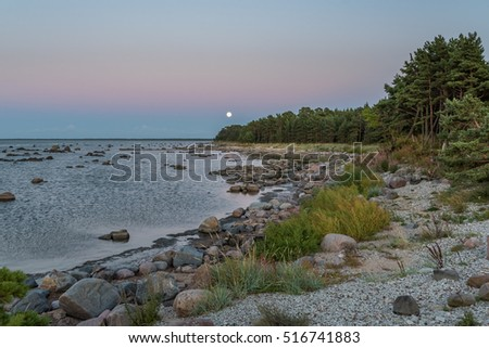Moonrise by the sea