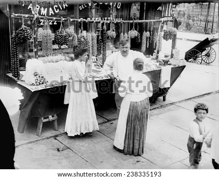 New York City, vendor with wares displayed, Little Italy, circa 1900s.