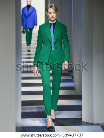 Modern Fashion Clothes On Mannequins Store 595040564 also Oscar De La Renta Antiperspirant Stick Antiperspirantti 75 G likewise Muere Carlos Orales Troncoso additionally The Looker Oscar De La Renta Takes Tahoe Taylor Stitch Launches Suiting likewise At Antonio Azzuolo Ss S le Sale. on oscar de la renta storefront