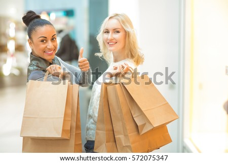 A Day In The Life #1: Shopping And Eating At The Mall