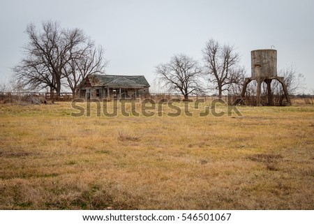 Old Farm House in Moshiem Texas