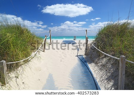 Path going to sea in Miami Beach.